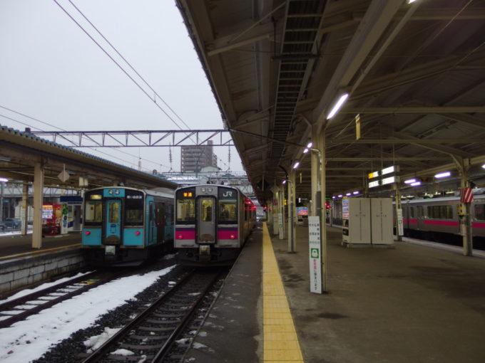 かつては幾多もの長大編成が発着した青森駅ホーム