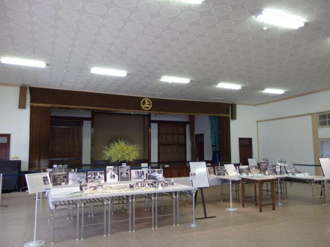 富岡製糸場学園の講堂として使われていた首長館内部