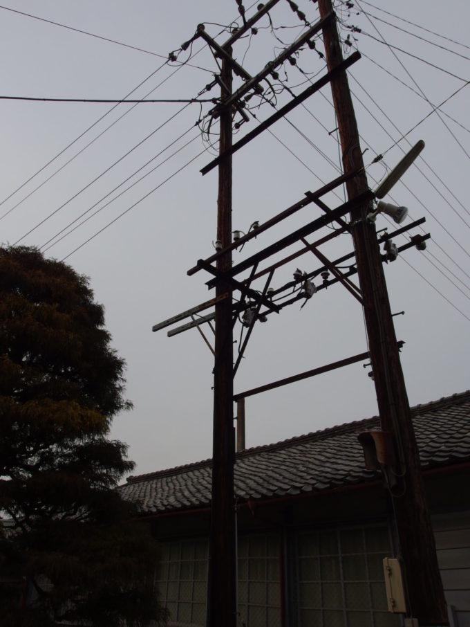 富岡製糸場に残る木の電信柱
