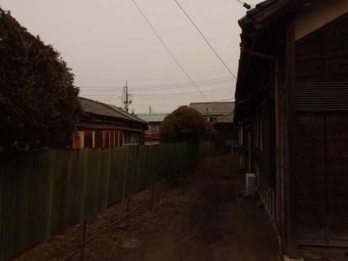 富岡製糸場に取り残された木造の古い社宅