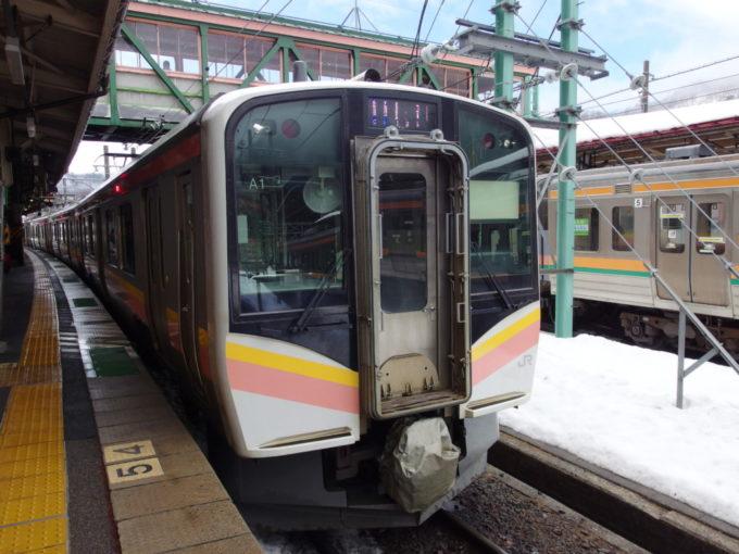 上越線E129系長岡行き