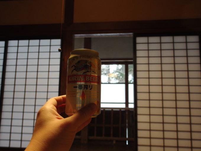 栃尾又温泉自在館ぬる湯でほぐれた後は冷たいビールを