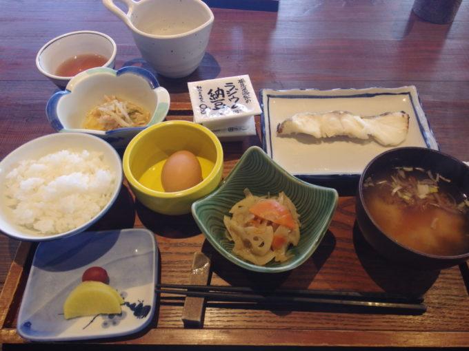 栃尾又温泉自在館2泊目朝食