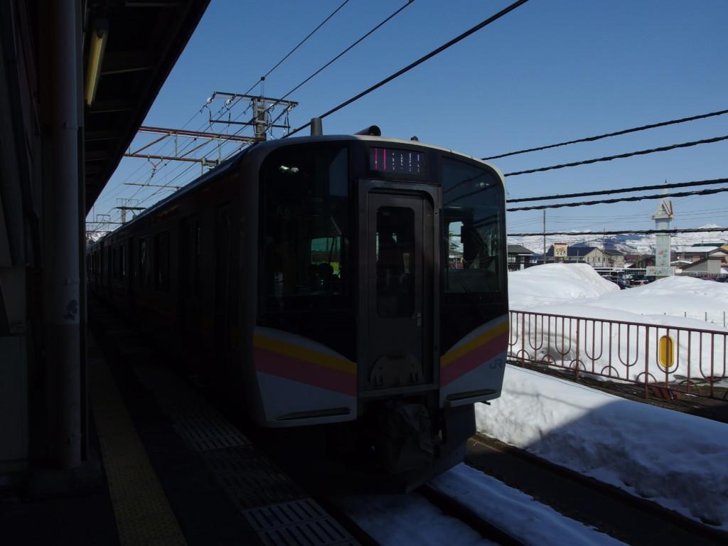 上越線E129系越後湯沢行き