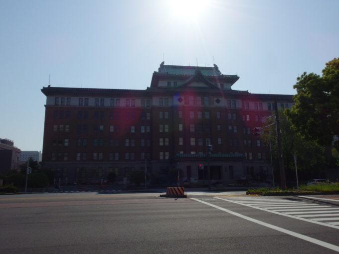 威風堂々たる愛知県庁舎