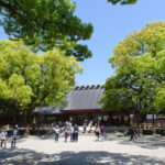 初夏の快晴に映える熱田神宮本宮
