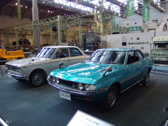 トヨタ産業技術記念館初代カローラとセリカ