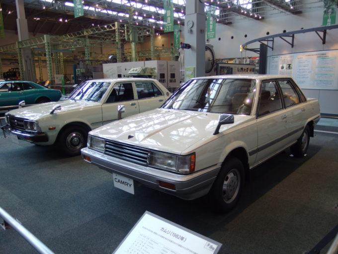 トヨタ産業技術記念館馴染みのある年代のコロナとカムリ