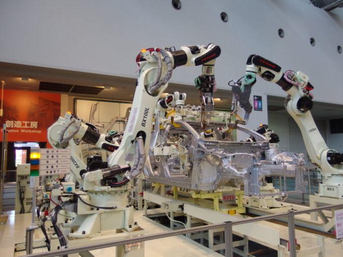 トヨタ産業技術記念館溶接ロボット