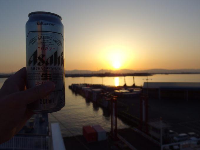 太平洋フェリーきそ名古屋港に沈む夕日を眺めながら飲む湯上がりのビール