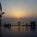 太平洋フェリー船上で眺める御来光