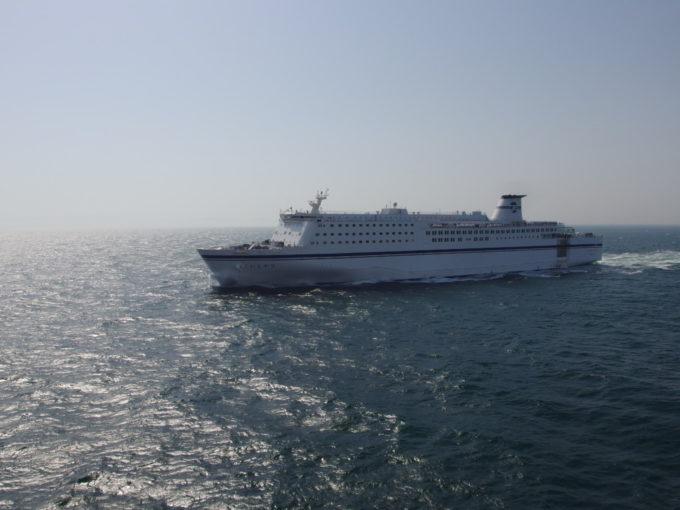 太平洋フェリーきそ福島沖で姉妹船のいしかりとすれ違い