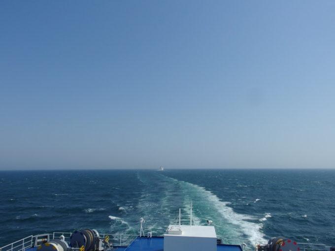 太平洋フェリーきそ姉妹船との再会を喜び再びそれぞれの航路へ