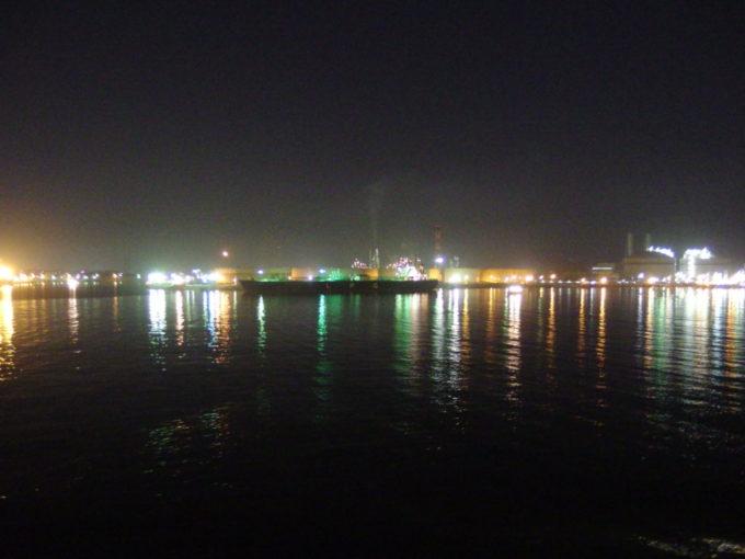 仙台港の夜景を横目に苫小牧を目指す太平洋フェリーきそ