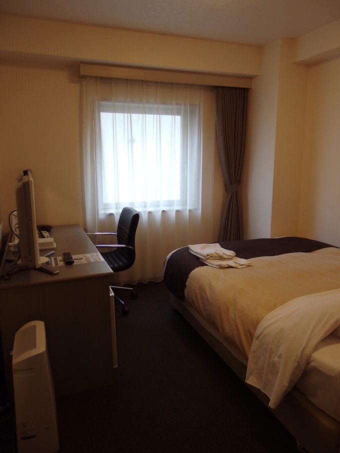 ホテルロンシャンサッポロ寝心地のいいシモンズのベッドが嬉しいシングルルーム