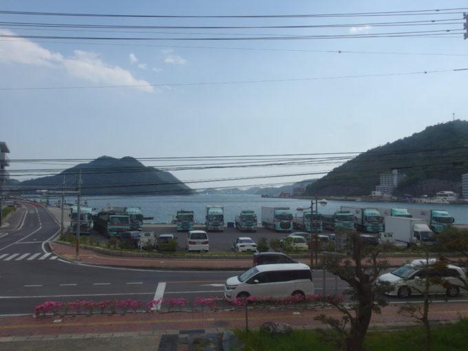 JR赤穂線車窓から望む日生駅の車窓