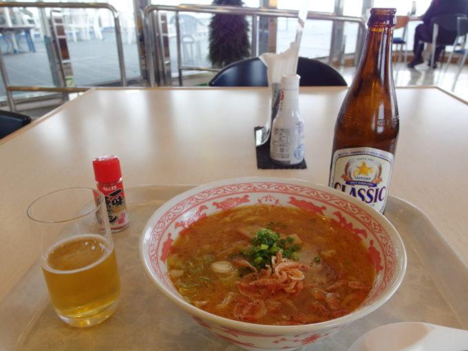 新日本海フェリーはまなすレストランで食べる海老味噌風味ラーメン