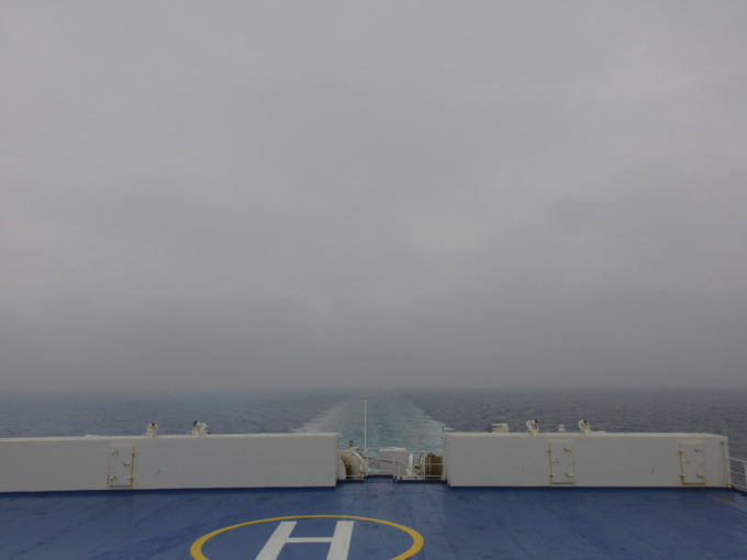 新日本海フェリーはまなす船上で食べる本格的なラーメンを味わいオープンデッキで食後の海を眺める