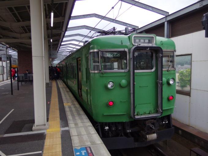 舞鶴線113系福知山行き普通列車