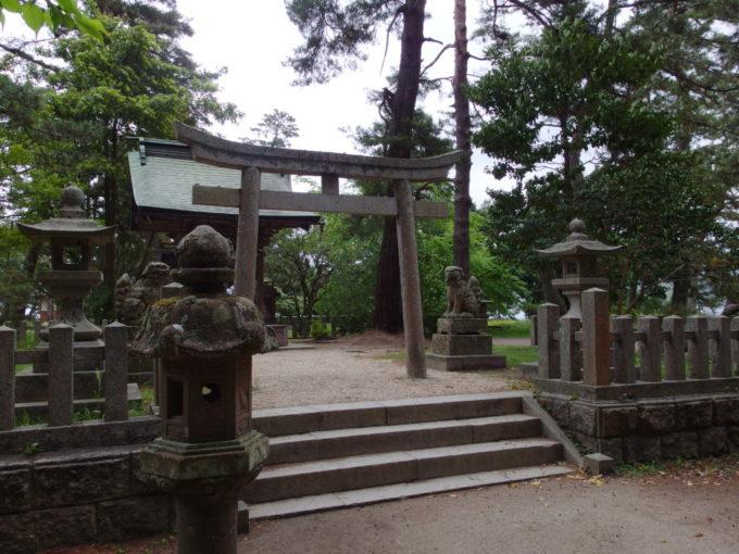 日本三景天橋立松林の中ひっそりと佇む天橋立神社