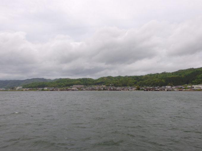 日本三景天橋立遊覧船から眺める溝尻の舟屋