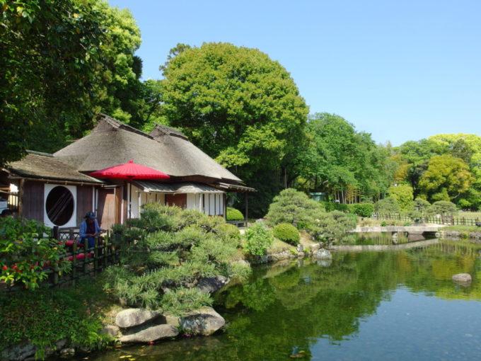 日本三名園後楽園藩政当時から残る廉池軒
