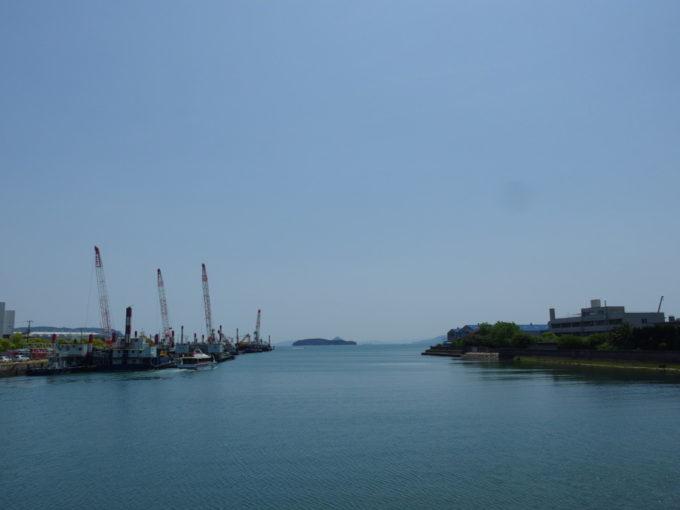児島の海をゆくむくじ丸