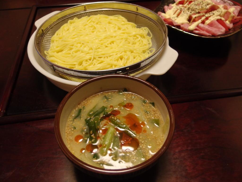 揖保乃糸龍の夢でにら味噌つゆのつけ中華