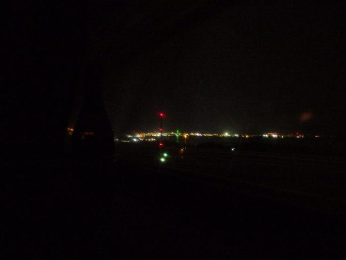285系サンライズ瀬戸東京行きシングル下段より見送る四国の光