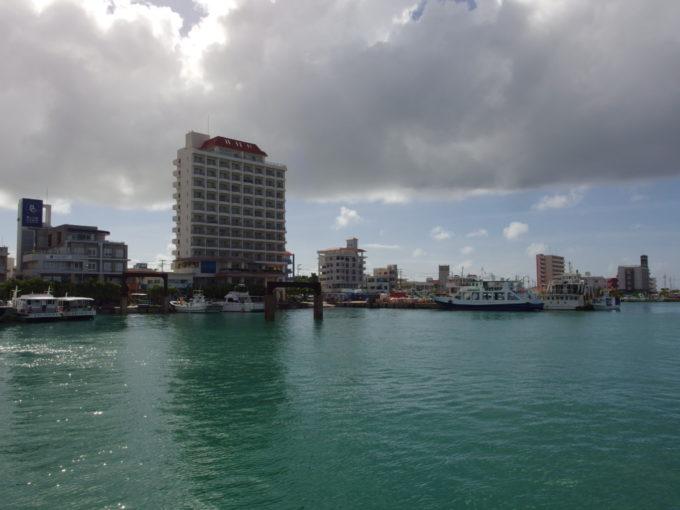 石垣港離島ターミナルそばに位置するホテルイーストチャイナシー