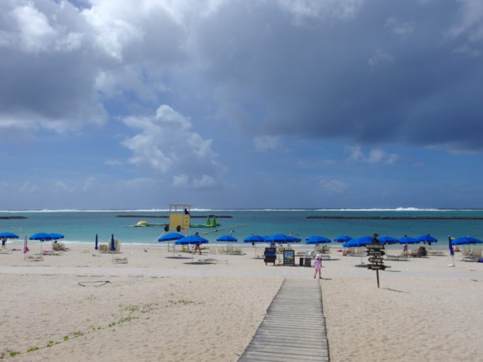 空港や市街地にも近く便利で美しい石垣島真栄里ビーチ