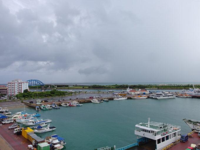 石垣島ホテルイーストチャイナシーポートビュー・ツインから眺める南ぬ浜町方面とサザンゲートブリッジ