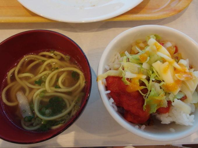 石垣島ホテルイーストチャイナシー1泊目朝食八重山そばとタコライス