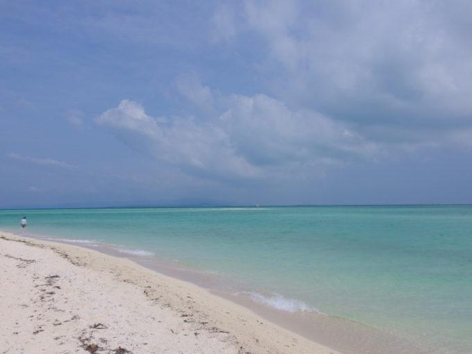 ポカリスエット感満載の竹富島コンドイビーチ