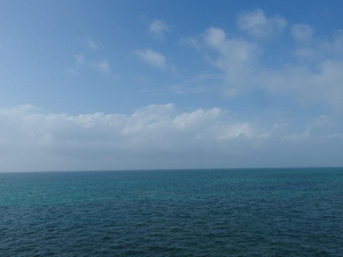 石垣島埋立地南ぬ浜町に広がる碧い海