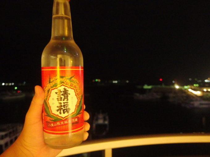 石垣島ホテルイーストチャイナシー夜のお供に赤の請福