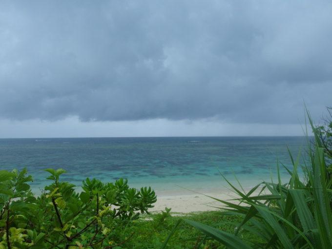 雨でもきれいな石垣島米原ビーチ