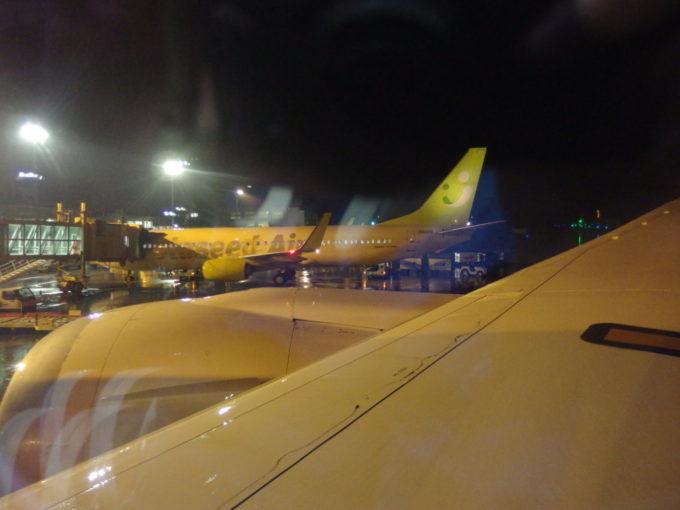 豪雨に襲われた南ぬ島石垣空港5時間の遅延の後無事に搭乗