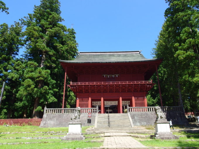 岩木山神社朱色の楼門
