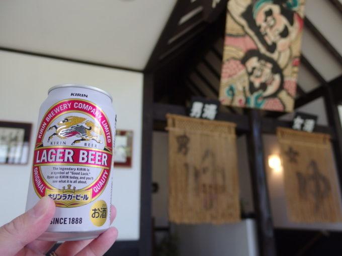 嶽温泉山のホテルで湯上がりのビールを