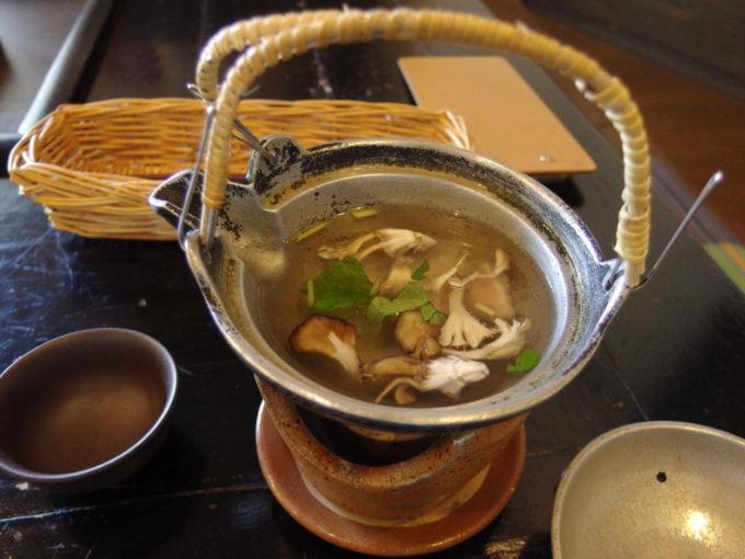 嶽温泉山のホテル舞茸の土瓶蒸し