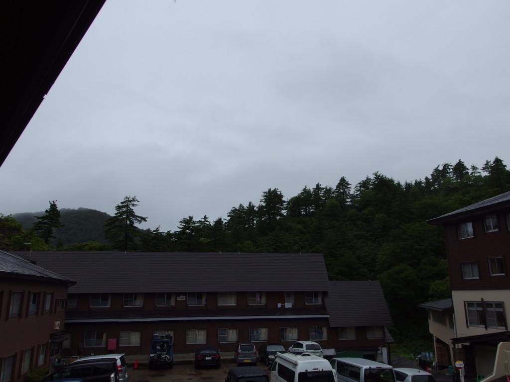 玉川温泉で迎える雨の朝