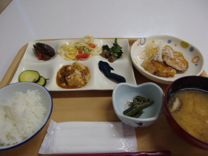 玉川温泉バイキング形式の夕食