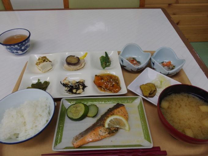 玉川温泉ビュッフェ形式の夕食