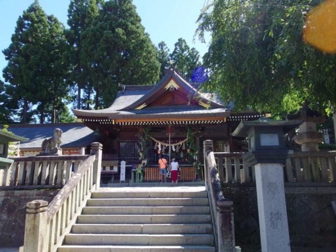 岩手公園盛岡城跡に隣接する櫻山神社