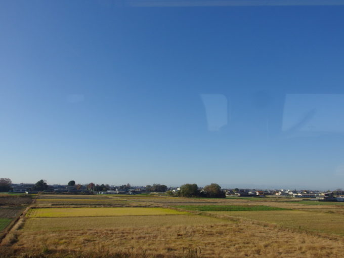 スペーシア車窓に広がる晩秋の埼玉の田園風景