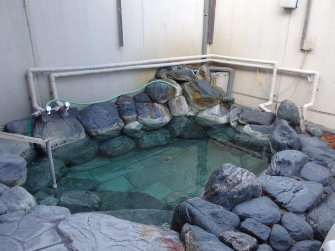 日光湯元温泉湯守釜屋露天風呂緞子の湯