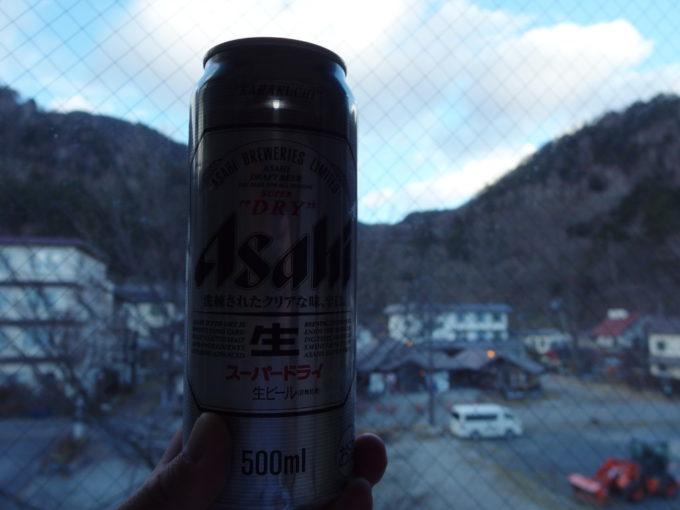 日光湯元温泉湯守釜屋湯上りに冷たいビールを