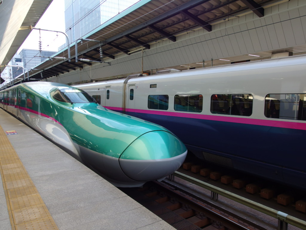 E5系はやぶさ号新函館北斗行き