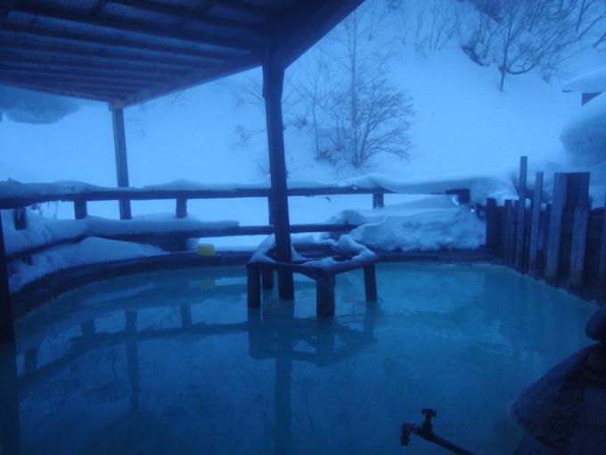冬の松川温泉松楓荘混浴の露天風呂